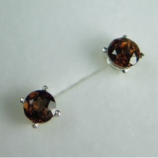 2cts Natural Zircon hot..
