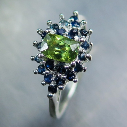 0.85cts Natural demantoid garnet &sapphire Sterling .925 silver ring