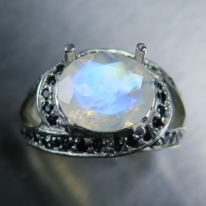 3.1ct Natural Rainbow Moonstone & sapphires Silver / Gold unisex ring