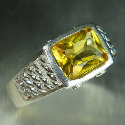 1.55ct Natural Heliodor Beryl Silver/ Gold / Platinum unisex ring