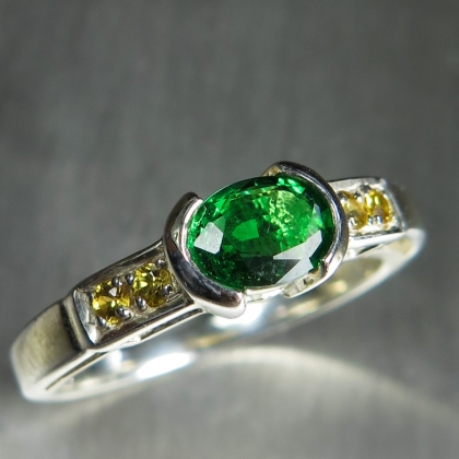 0.6ct Natural Tsavorite Garnet Silver/ Gold / Platinum east west ring