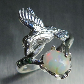 Natural multi-colour Welo Opal Silver/..