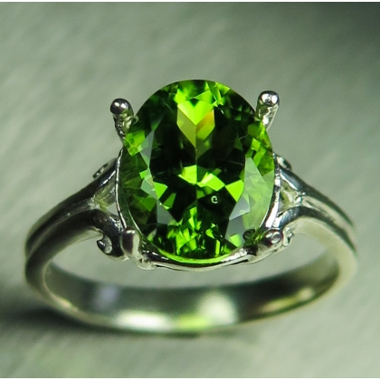 3.25ct Natural Green Peridot Silver/ Gold/ Platinum solitaire ring