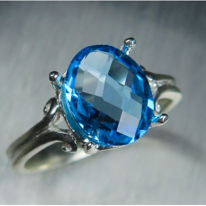 2.8ct Natural Swiss Blue Topaz Silver/ Gold/ Platinum solitaire ring