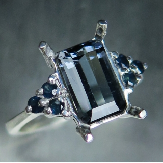 2.20ct Natural Midnight Blue tourmalin..