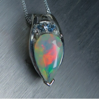 1.60ct Natural Welo Rainbow Opal Silve..
