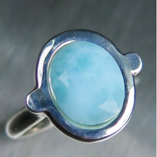 3.5ct Natural Blue Larimar Silver/ 9ct..
