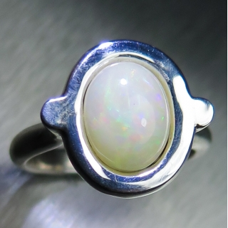 1.70ct Natural Welo Opal Silver/ 9ct 1..