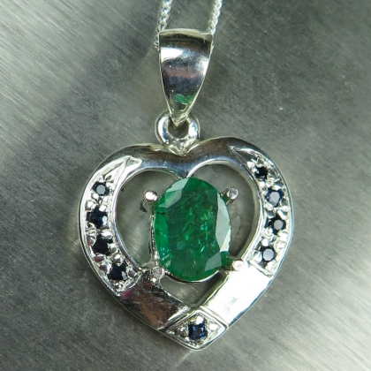 0.7ct Natural Colombian Emerald Silver/Gold necklace pendant