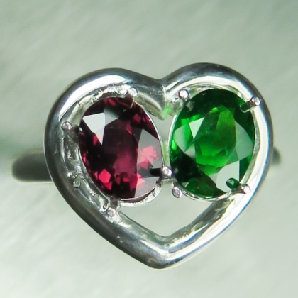 Natural Chrome diopside & rhodolite garnet Silver/ Gold /heart ring