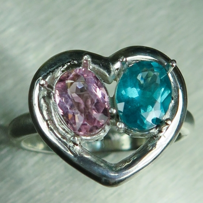 Natural pink tourmaline & blue Apatite garnet Silver/ Gold /heart ring