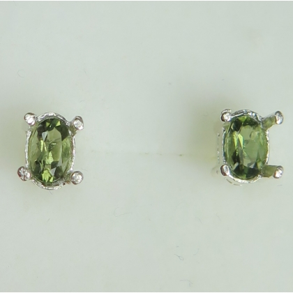 427cccedb Natural Olive green Moldavite, oval cut 925 sterling silver 9ct 14k 18k 375  585 750 yel
