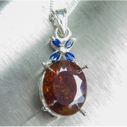 9.50cts Natural Sphalerite &sapphires Silver/Gold necklace pendant