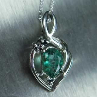 Natural Emerald & sapphire Silver/Gold..