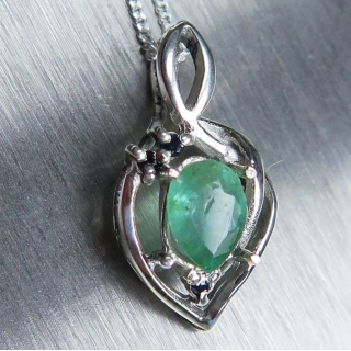 0.5ct Natural Emerald & sapphire Silve..