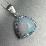 2.45cts Natural Welo Opal & zircons Si..