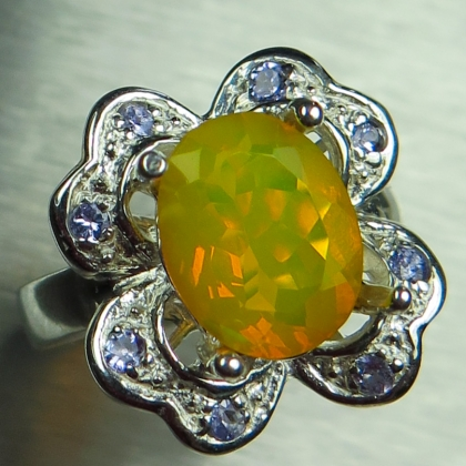 2.1ct Natural Welo fire opal & tanzanite Silver / Gold floral ring