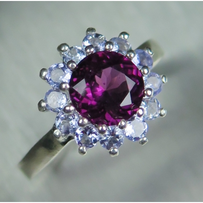 1.4ct Natural Raspberry Rhodolite Garnet Silver/ Gold / Platinum ring