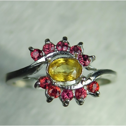 0.4ct Natural Yellow sapphire Silver/ Gold / Platinum ring
