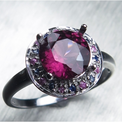 1.7ct Natural rhodolite garnet & sapphires 925 sterling silver ring