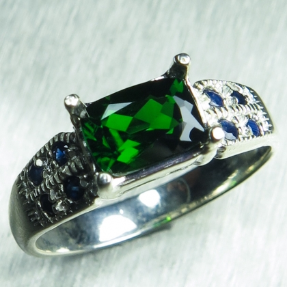 1.10ct Natural Russian Chrome Diopside Sterling .925 Silver ring