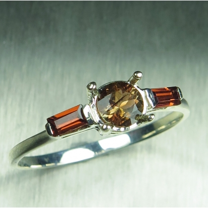 Natural Bi-colour Andalusite & garnets Silver / Gold / Platinum ring