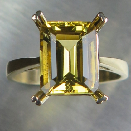3.3ct Natural Yellow Heliodor Beryl 9ct 375 yellow Gold ring