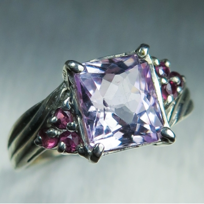 SALE: 2.7ct Natural pink Kunzite & ruby Silver ring sz 7.5 or O1/2