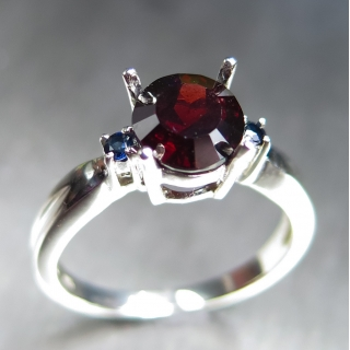 1.9ct Natural Red Spessartine garnet S..