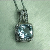 Natural light blue Topaz 8x8mm 925 ste..