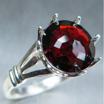 3.8ct Natural red Spessartine Garnet Silver /Gold solitaire ring