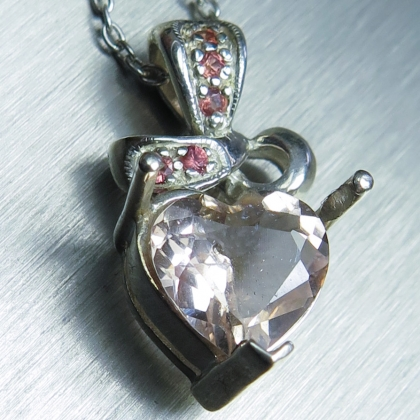 1.4ct Natural Morganite 925 Sterling Silver / Gold heart pendant
