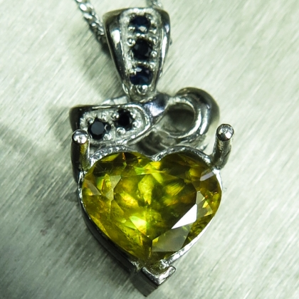 2.3ct Natural canary yellow Sphene Silver / Gold heart pendant