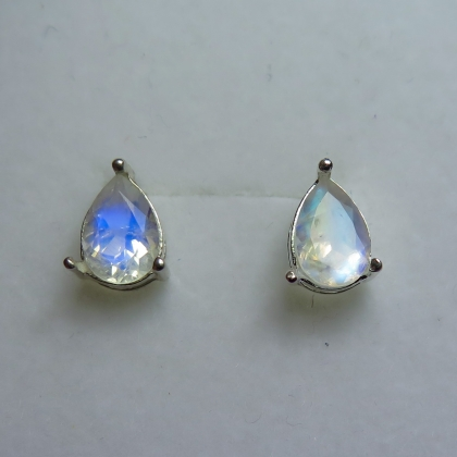 2.5ct Natural rainbow moonstone Silver/ Gold/ Platinum stud earrings