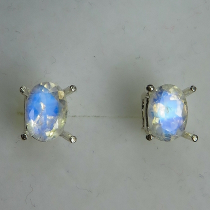 1.35ct Natural rainbow moonstone Silver/ Gold/ Platinum stud earrings