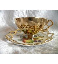4 Footed Gold Lattice Bone China Tea Cup & Saucer