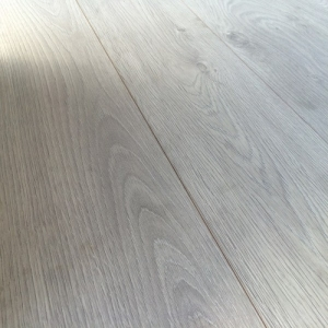 Chene 12mm AC5 Laminate Flooring Interlaken Oak