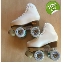 Clearance item size 210 - size 13 skates white old style