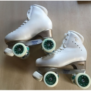 Second hand size 250 - size 4.5 skates White