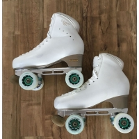 Second hand size 280 - size 8 skates white