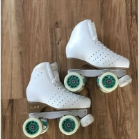 Second hand size 230 - size 2 skates White