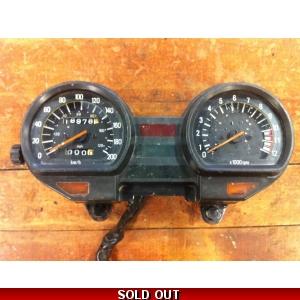 1982-84 Yamaha XS400 XS 400 Maxim Carb Holders Intake Manifold