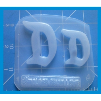 2 Retro Letter D Shapes Handmade Plastic Mold