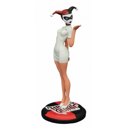 Nurse Harley Batman The Animated Series Premiere Collection Statue