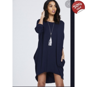 Tunic jumper with necklace