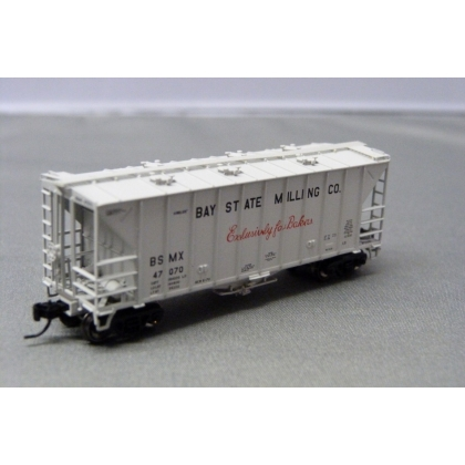 Athearn N. 40ft 2600 CF Airslide Hopper,Bay State Milling 47070