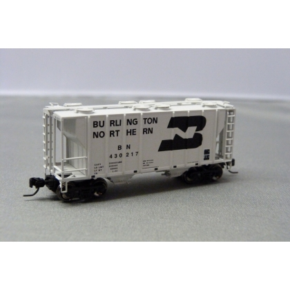 Athearn N. PS 2600 2 Bay Covered Hopper,Burlington Northern 430217