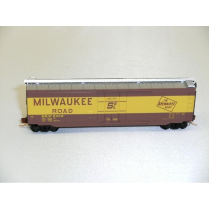 Micro Trains N.50ft Plug Door Boxcar,Milwaukee Road No 2635