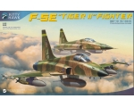 Kitty Hawk F-5E Tiger II Fighter 1/32 FREE RESIN..