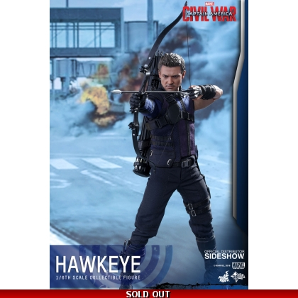 Hot Toys Captain America: Civil War - 1/6th scale Hawkeye Collectible Figure